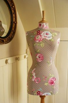 I could do this to my grandmas dress form