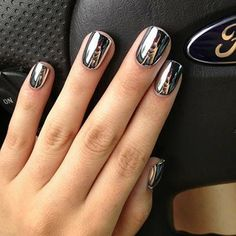 Ford Mustang manicure