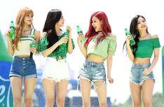Your source of news on YG's biggest girl group, BLACKPINK! Kim Jennie, South Korean Girls, Korean Girl Groups, Rapper, Pink Official, Water Bombs, Blackpink Funny, Akdong Musician, Blackpink Video