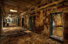 holmesburg prison photographs - matthew christopher murray's abandoned america