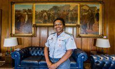 Conheça a primeira mulher negra a assumir a Casa Militar de SP  A coronel Helena Reis assumiu importante cargo de comando da polícia, raridade entre as mulheres – que ocupam apenas 12% das posições policiais em São Paulo
