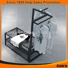 Retail Clothing Racks, Fashion Retail Interior, Clothing Store Design, Board Shop, Retail Fixtures, Retail Merchandising, Retail Store Design, Shop Fittings, Store Interiors