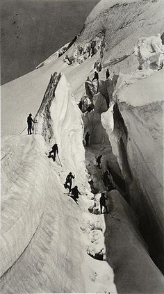 Bisson Brothers (Louis-Auguste and Auguste-Rosalin Bisson), The crevasse (climbing the Mont-Blanc), 1861 (Source: Bibliothèque nationale de France) One of the most impressive photos I've ever seen. Mountain Climbing, Rock Climbing, Alpine Climbing, Chamonix Mont Blanc, Cthulhu, Rando, History Of Photography, Mountain Photography, Grand Tour