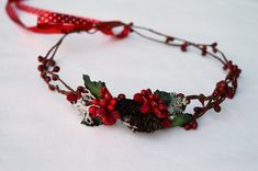 Red holiday crown Red berry crown Christmas hair by LumilinA