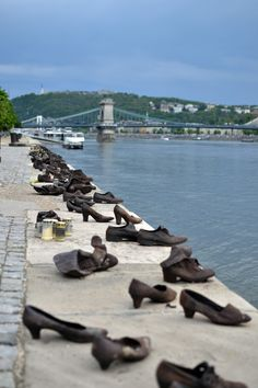 Budapest, photography, night time, architecture, travel, blog, adventure, exploration, shoes on the danube, jews, nazi, memorial,