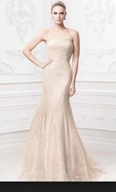 Strapless Lace Trumpet with Tulle Skirt Style KP3765   We Chose     Zac Posen Truly  find it on PreOwnedWeddingDresses com