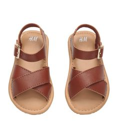 BABY EXCLUSIVE/PREMIUM QUALITY. Leather sandals. Adjustable ankle strap with metal buckle, leather insoles, and fluted rubber soles (sizes 0 - 2 with soft soles).