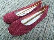 日本Wakai Kyoka 紅色灯芯绒便鞋 38碼 編細1碼 (37碼合) 全新, 跟原裝鞋盒  ** 請明白暫只能安排星期一至五 6:30-7:00pm MTR: 尖東/ 尖沙咀, 紅磡, 旺角, 九龍塘, 大圍, 沙田至太和.