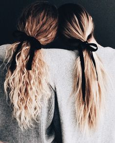 Do you like your wavy hair and do not change it for anything? But it's not always easy to put your curls in value … Need some hairstyle ideas to magnify your wavy hair? Easy Hairstyles For Long Hair, Pretty Hairstyles, Famous Hairstyles, Wedding Hairstyles, Wedding Updo, Hairstyles 2018, Fringe Hairstyles, Hair Day, Hair Looks