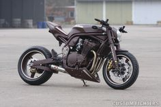 German Chocolate - Bad Bikes' 97 Suzuki Bandit | Custom Fighters