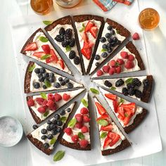 """Berry-Patch Brownie Pizza Recipe -""""I just love the combination of fruit, almonds and chocolate that makes this brownie so unique,"""" relates Sue Kauffman of Columbia City, Indiana. """"The fruit lightens the chocolate a bit and makes it feel like you are eatin Fruit Pizza Bar, Dessert Pizza, Pizza Menu, Scones, Pasta Primavera, Mini Pizzas, Strip Steak, Food Trucks, Fusilli"""