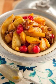 Get Hot Curried Fruit Recipe from Food Network Fruit Recipes, Dessert Recipes, Easter Recipes, Yummy Recipes, Healthy Desserts, Brunch Recipes, Thanksgiving Recipes, Holiday Recipes, Finger Food