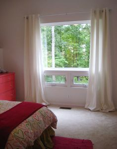 Home Staging Tip (that I used when we sold our townhouse): Hang curtains higher than the window to add height and drama to the space High Curtains, Ceiling Curtains, Ikea Curtains, Hanging Curtains, Bedroom Curtains, Home Staging Tipps, Young House Love, Scandinavian Bedroom, Beautiful Interiors