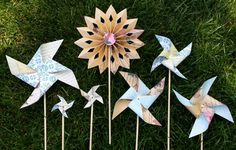 Hey, I found this really awesome Etsy listing at https://www.etsy.com/listing/192483915/vintage-style-pinwheels-and-rosettes