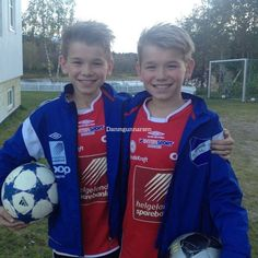GB Marcus & Martinus Gunnarsen The best twins in the world Twin Boys, Twin Brothers, My Boys, Marcus Y Martinus, Bars And Melody, Dream Boyfriend, Young Cute Boys, Gym Workout For Beginners, Twins