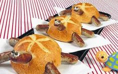 Schildkrötenparade: Kaiserbrötchen mit Bratwürstchen and hollowed out/filled with soup and re-topped # Food and Drink art fun Creative Kitchen, Creative Food, Cute Food, Good Food, Yummy Food, Comida Diy, Food Decoration, Food Humor, Party Snacks