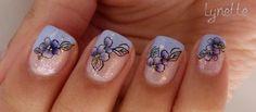Nail art french biseautée fleurie