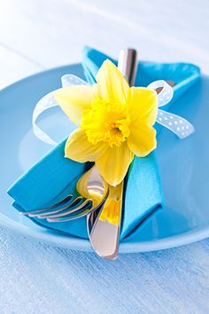 easter table setting with daffodil flower