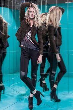 Scopri la campagna pubblicitaria GAUDÌ autunno/inverno 13-14 e acquista i modelli su www.gaudi.it/campain_gaudi_new.php | Discover the fall/winter 13-14 GAUDÌ Advertising Campaign and shop the styles on www.gaudi.it/campain_gaudi_new.php