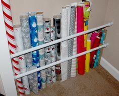 On a tous des tringles à rideaux extensibles chez nous.On peut les utiliser pour accrocher à peu près n'importe quoi. Voici 24...