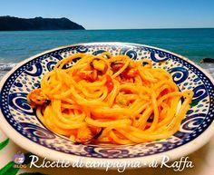 SPAGHETTI COI MOSCIOLI DI PORTONOVO Ricetta tipica della baia di #Portonovo ad Ancona con i #moscioli presidio slow food della Riviera del Conero. #ORIGINALMARCHE #Marche