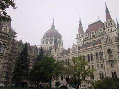 Detras del Parlamento en Budapest