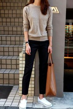 50 Street Wear Casual Chic Outfits Trending Ideas streetwear is an essential supply of inspiration and it's almost always a good way to mode… Casual Chic Outfits, Smart Casual Outfit, Teen Fashion Outfits, Mode Outfits, Casual Smart Fashion, Smart Casual For Ladies, Casual Wear For Women, Smart Casual Work Outfit Women, Casual Office Shoes