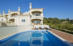 The Crest superb house T3+1 with panoramic view, in Algarve, Loulé, Almacil, at The Crest.