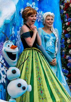 Anna and Elsa at the Festival of Fantasy Parade.