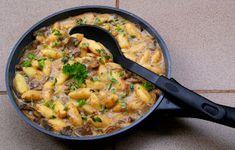 Buniabaje w kuchni: Tymiankowy sos grzybowy z duszonych grzybów Cheeseburger Chowder, Macaroni And Cheese, Curry, Ethnic Recipes, Mac And Cheese, Curries
