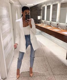 Uploaded by Nez ✨. Find images and videos about fashion, style and outfit on We Heart It - the app to get lost in what you love. Mode Outfits, Fall Outfits, Fashion Outfits, Jeans Fashion, Dress Fashion, Fashion Fashion, Womens Fashion, Luxury Fashion, Fashion Tips
