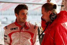 Jules Bianchi talking to a team engineer (Barcelona, 03-03-2013)