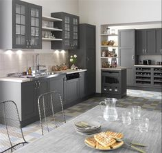 50 Shades of Grey: The New Neutral Foundation for Interiors Grey Kitchens, Home Kitchens, 50 Shades, Shades Of Grey, New Kitchen, Kitchen Dining, Shabby Chic Kitchen, Grey Cabinets, Cuisines Design