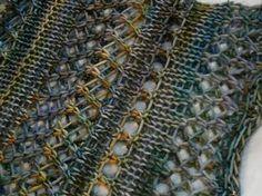 Nice stitch.  Plus free pattern for A Grey Loop by Helen G. malabrigo Arroyo, Indiecita colorway.