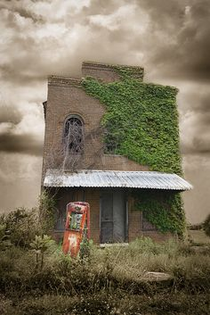 Forgotten Grocery Store And Gas Station In Jefferson County, TN