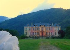 A Couple Bought An Abandoned 18th Century French Chateau. This Is What They Found Inside 0 - https://www.facebook.com/diplyofficial