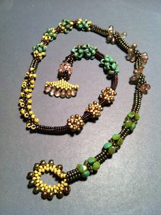 Seed bead necklace - stitch variations - beth stone Beaded Necklace Patterns, Beaded Jewelry Designs, Handmade Jewelry, Diy Seed Bead Earrings, Seed Bead Jewelry, Seed Beads, Beaded Anklets, Beaded Bracelets, Bead Necklaces