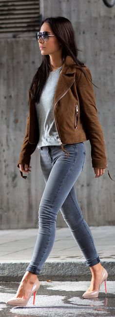 Suede Jacket, Skinny Jeans | Women's Fashion | Fall Women's Outfit | www.designerclothingfans.com
