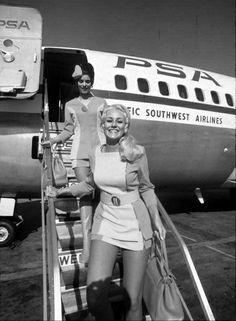Стюардессы Тихоокеанский Южных Авиалиний 1972 год