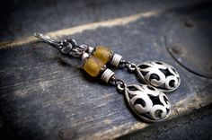 tribal earrings • ethnic dangle earrings • raw glass • sterling silver • filigree drop • silver berber pendant • African beads • entre2et7