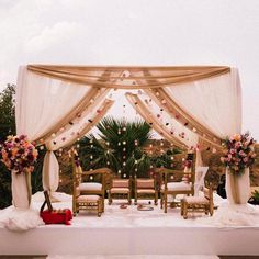 23+ Subtle Mandap Designs that will Add Charm to your Pheras! | ShaadiSaga