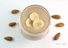 banana, kale & almond super smoothie