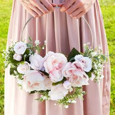 Planning a DIY wedding? It's easy to make this DIY trendy Light Pink Rose Hoop Bouquet (or customize with your favorite colors)