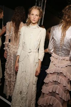 Dusky pink and cream colour palettes on soft and sheer fabrics? The things SS16 dreams are made of.