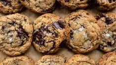 Chocolate chip cookies Best Brownie Recipe, Best Chocolate Chip Cookies Recipe, Chip Cookie Recipe, Chocolate Chip Cookie Dough, Cookie Recipes, Dessert Recipes, Dessert Ideas, Macaroon Recipes, Cookie Flavors