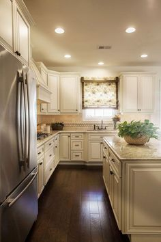 Best 87 Best Antique White Kitchens Images In 2019 White 400 x 300