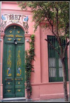 Door with fileteados Buenos Aires. Argentina