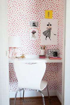 How To Live Smart in a Small Space: 5 Adorable Closet Offices