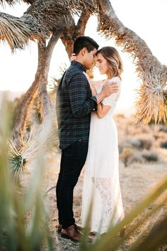 This is one of those engagement sessions that won't fail to put a smile on your face. Check out this romantic escape in Joshua Tree.