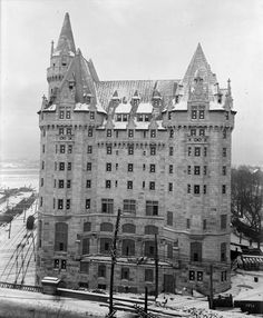 Chateau Laurier in winter 1911 still under construction...!